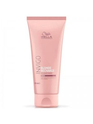 Балсам за освежаване на цвета за топла гама руса коса WELLA Invigo Blonde Recharge Warm Conditioner 200ml